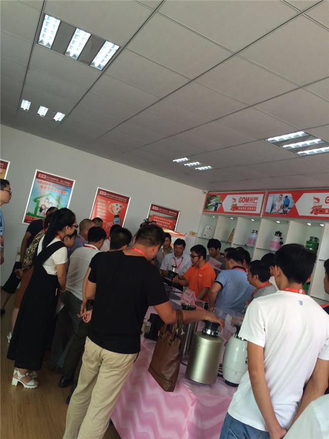 厨房垃圾chu理qi已经成一匹黑马各da电商平台的销量都爆炸式zeng长